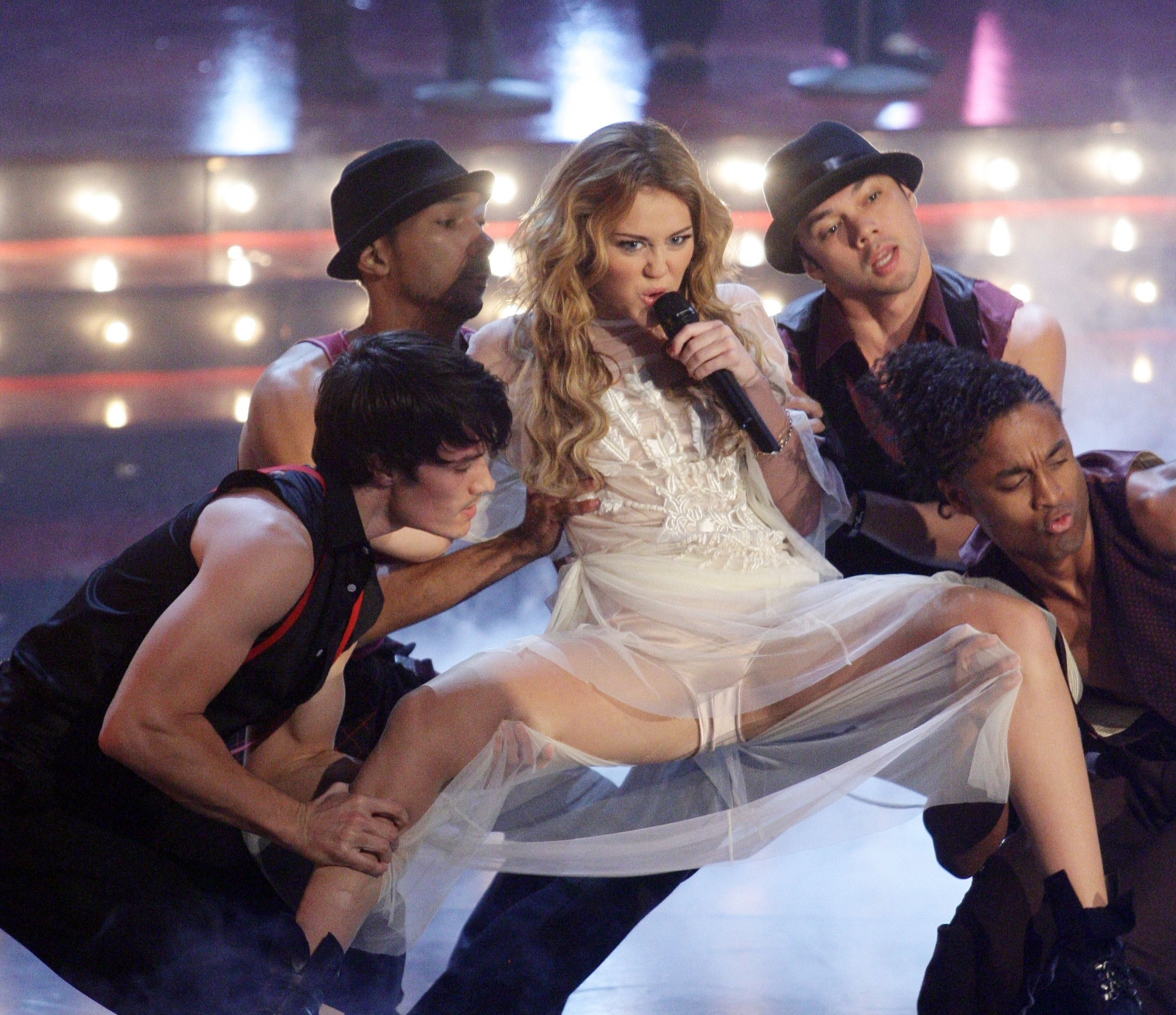 Miley Cyrus Spreading Legs